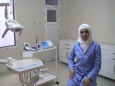Врач больницы для сирийских беженцев в городе Урфа (Турция)