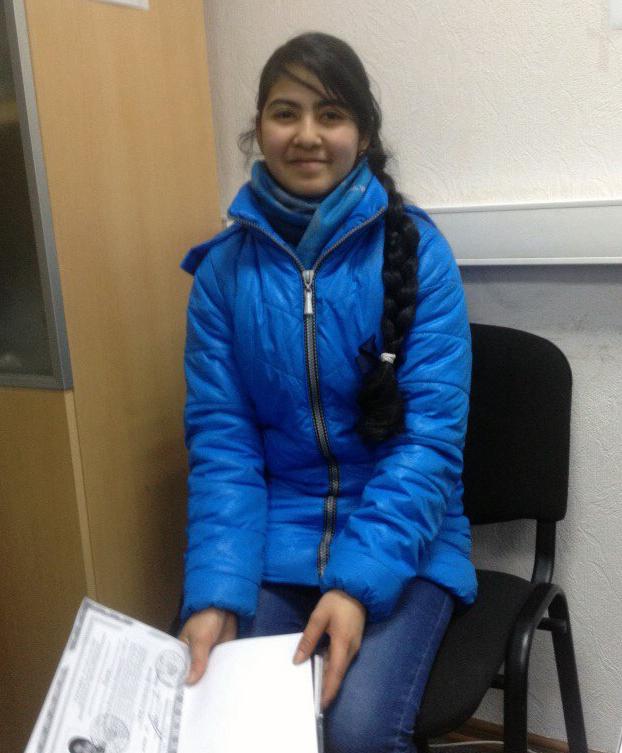 Молодой Ясмин совсем недавно исполнилось,  но она уже хорошо знакома со взрослыми проблемами беженцев в России.