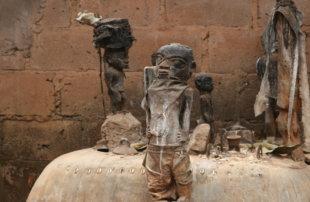 Западно-африканская магия вуду: как торговцы людьми контролируют своих жертв