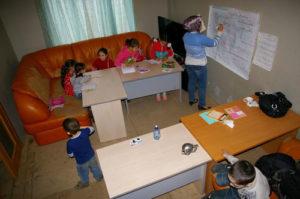 Вне системы: волонтерская школа для детей из Сирии