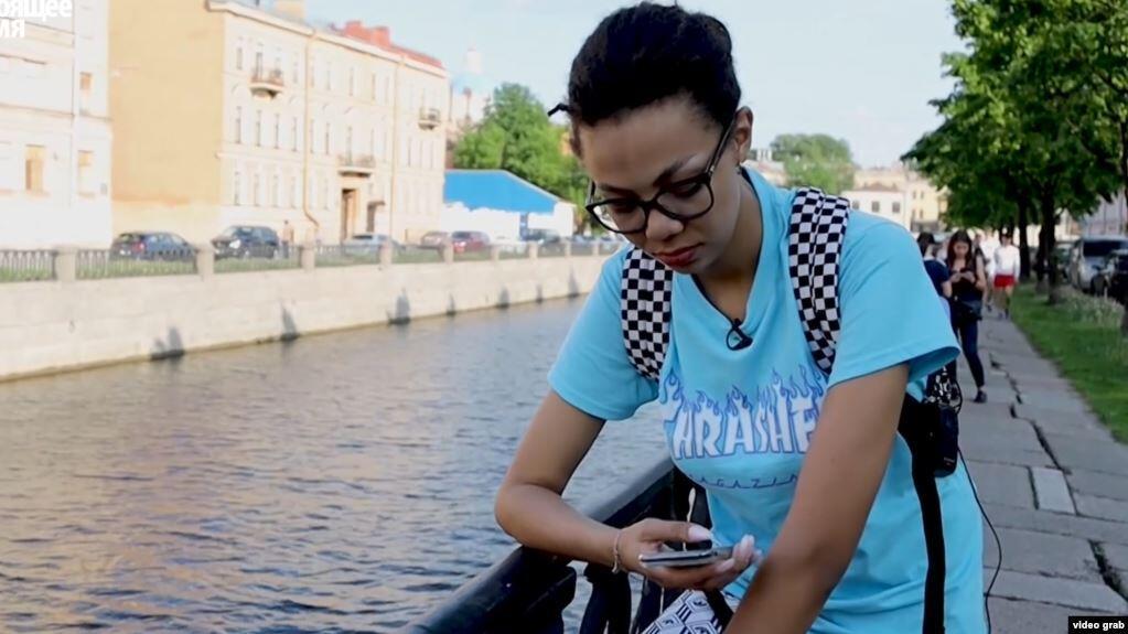 «Угрожали расправой мне и дочери». Кто в России чаще всего сталкивается с расизмом